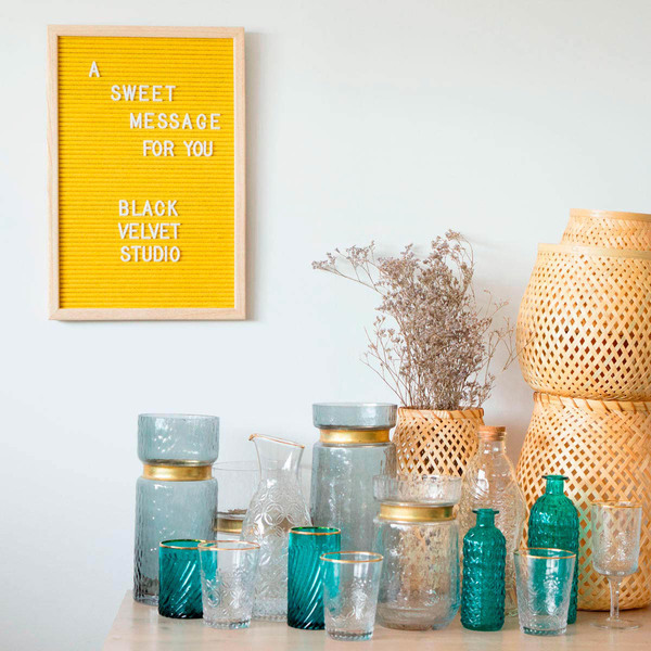 Tablero letras Word, madera y fieltro, color natural y amarillo, rectangular,149 letras, 45x30x2 cm