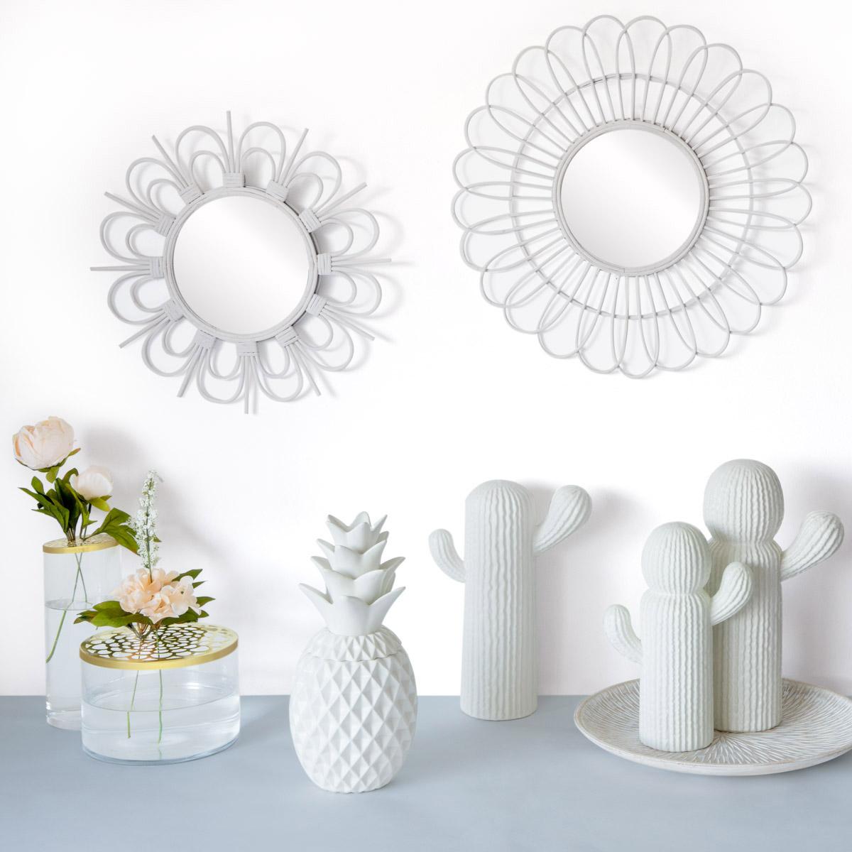 arrón Flower, vidrio y metal, color transparente y dorado, estiloso florero con agujeros para flores